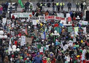 Thousands-rally-in-Ottawa-on-Nov-29-2015-for-climate-justice-on-eve-of-world-climate-conference-in-Paris-Fred-Chartrand-Canadian-Press-a